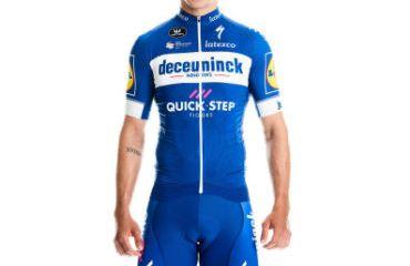 El velocista colombiano Álvaro Hodeg luce el nuevo uniforme del Deceuninck-Quick Step 2019