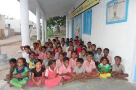 villanueva de la caÑada colabora en la construcciÓn de una escuela en la india