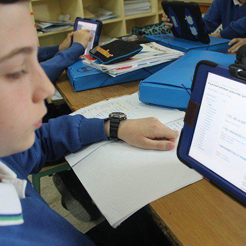 el 73% de los alumnos está más motivado desde que usa tablet