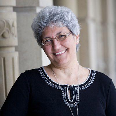 la profesora de la umh juana gallar, vicepresidenta de la sociedad internacional para la investigación del ojo en europa