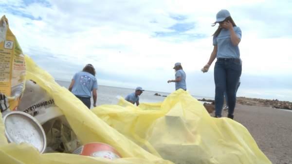 plasticos en playa4