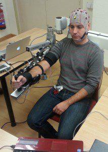 desarrollan exoesqueletos robóticos de bajo coste