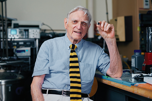 Premio Nobel de Química para John Goodenough