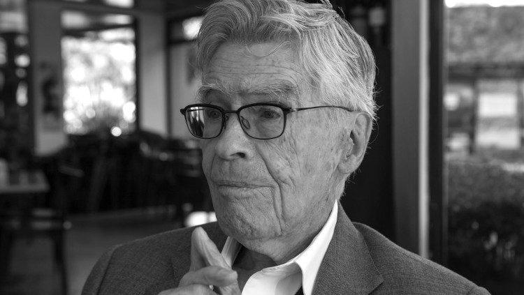 Muere Mario Bungue
