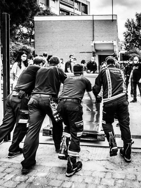 nuestros héroes del covid-19 : los bomberos