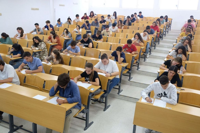 Reforma universitaria acaba precariedad docente3