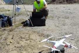 profesional autosuficiente: ingeniero de minas + piloto de drones