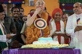 ¡larga vida al dalai lama! [ 81 aniversario del dalai lama]
