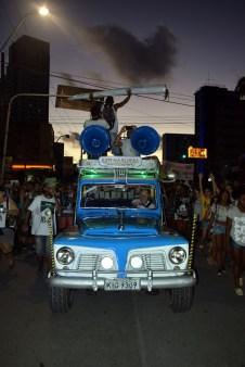 A Rural de Roger acompanhou a marcha pela Conde da Boa Vista. (Jonatan Oliveira/OGrito!).
