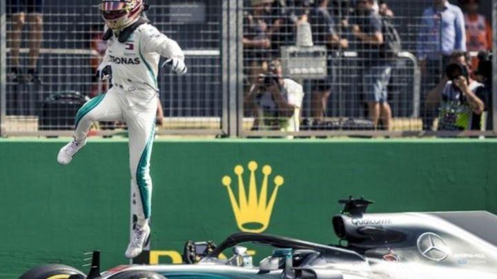 Lewis Hamilton renueva con Mercedes hasta el 2020