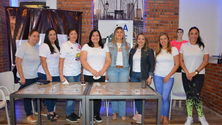 Presentaron la Asociación Femenina de Pádel de Itapúa