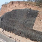 Caso de estudio: análisis de caída de rocas en taludes
