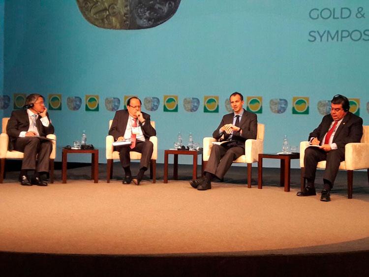 Panel Perspectivas y Oportunidades en el Perú del Simposium Internacional del Oro y la Plata