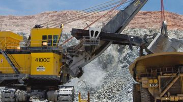 El transporte, la maquinaria y/o las instalaciones auxiliares en la minería es algo que se debe supervisar de manera rígida, debido, al cumplimiento que estas tienen, en la labor del minero.