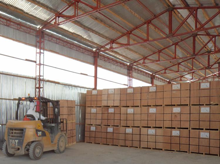 Aruntani recertifica uso de cianuro - Almacenaje de cajas de cianuro