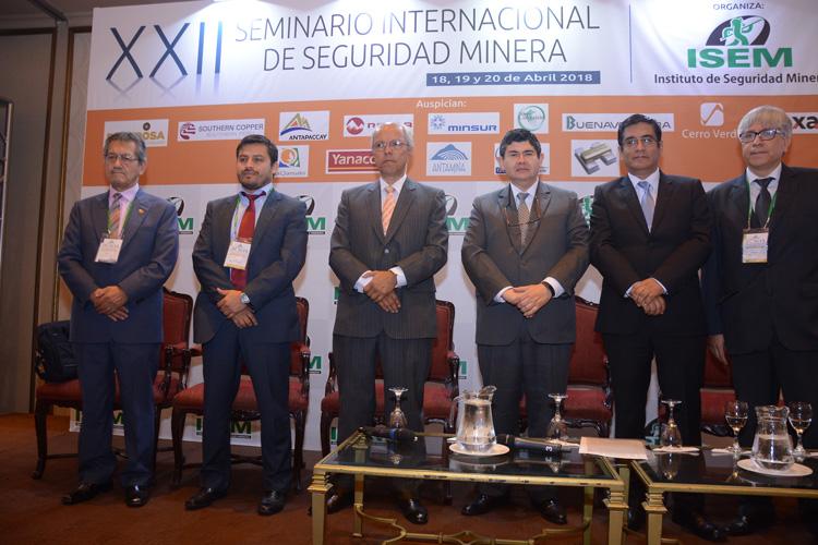 Seminario ISEM destaca importancia del liderazgo