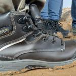 Cuidado de pies con calzado adecuado para el trabajo