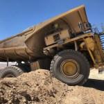 Chile: realizan maniobra de retiro de camión de casi 400 toneladas en Minera Centinela