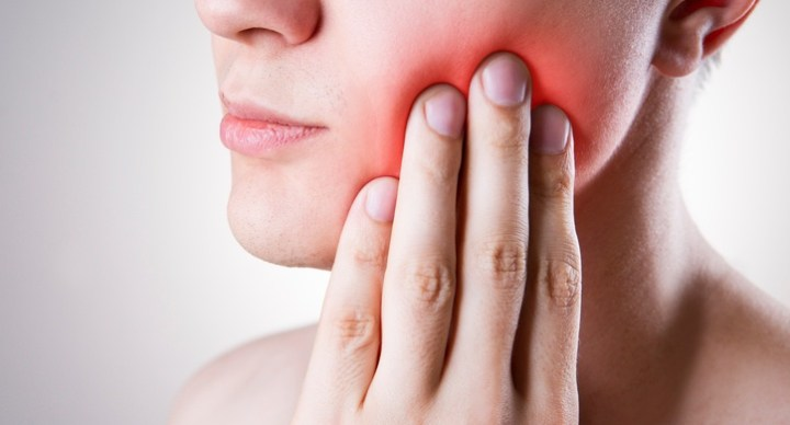 5 Easy Ways To Soothe Teeth Sensitivity