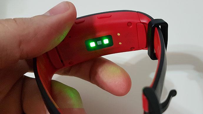 Cum funcționează măsurarea pulsului cu Gear Fit2 Pro