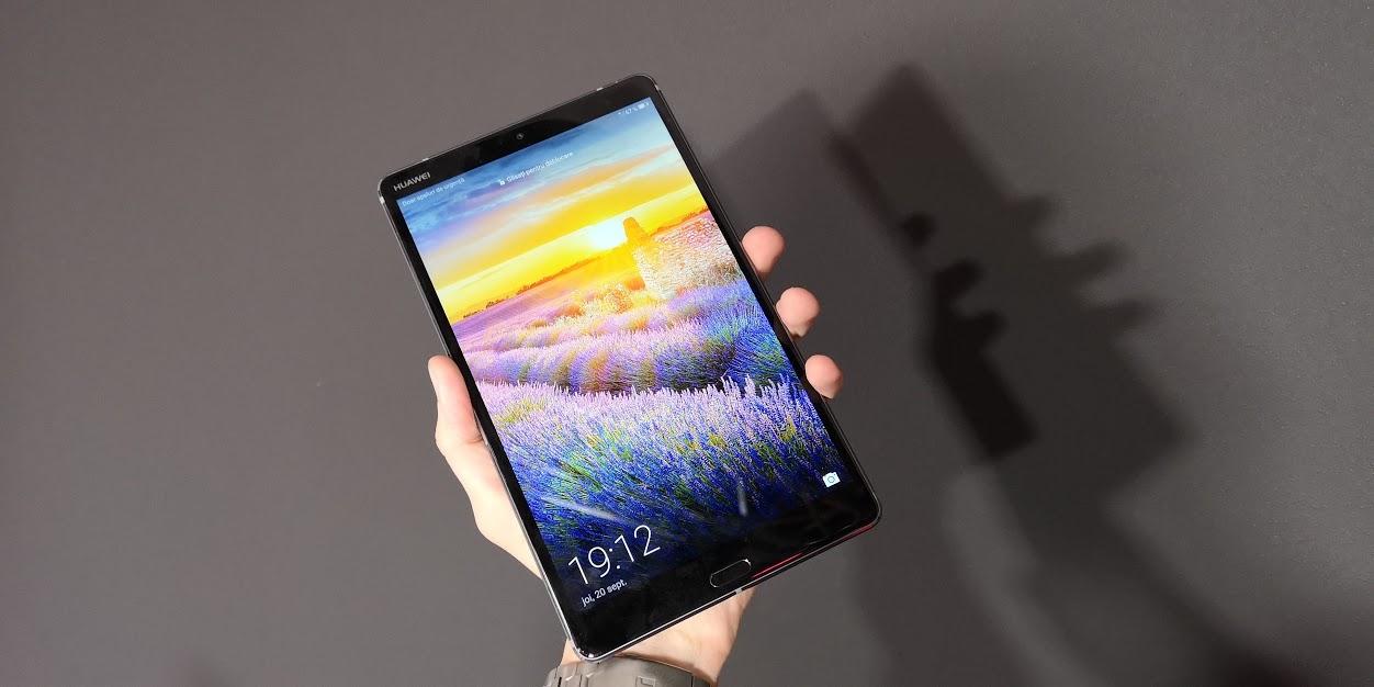 Huawei a lansat în România tableta MediaPad M5 de 8.4 inch