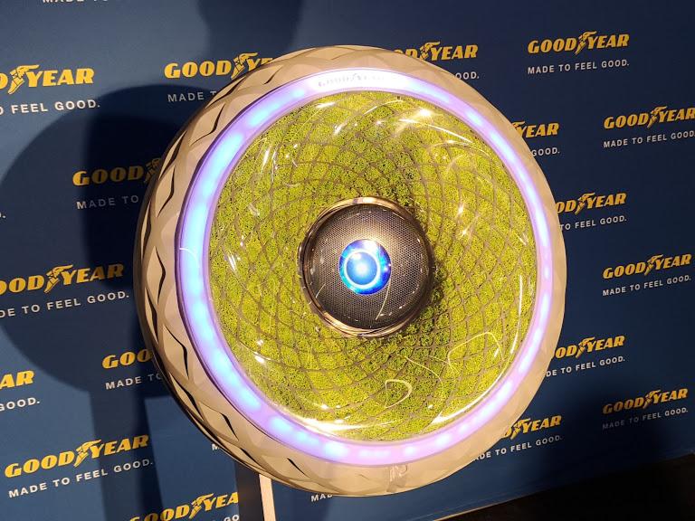 Goodyear a prezentat în România anvelopa cu vegetație în interior