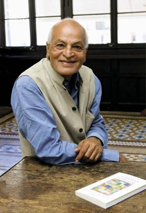 Activiste, écologiste, universitaire, humaniste, visionnaire, Satish Kumar est l'auteur de You are, Therefore I am (Tu es donc je suis) .
