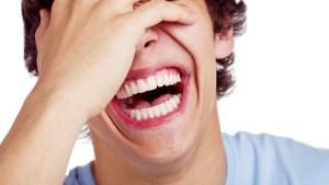 En général, le simple fait de partager les éclats de rire peut être plus important que le contenu spécifique de la plaisanterie.
