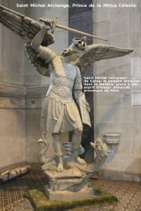 """"""" Qui est comme Dieu ! est aussi le cri de victoire que saint Michel lance quand il entre au combat, que ce soit dans l'Apocalypse, ou ailleurs."""