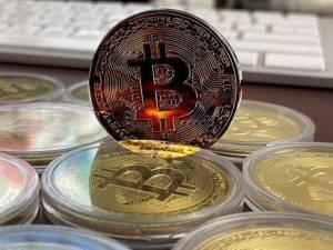 Bitcoin, la monnaie de demain ? Entretien avec Adli Takkal Bataille
