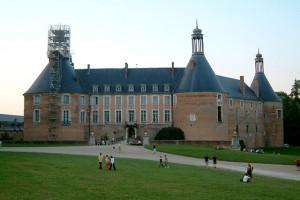 Le château de Saint-Fargeau situé sur la commune de Saint-Fargeau dans le département de l'Yonne, en région Bourgogne