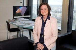 Sylvie Pierre-Brossolette, Rédactrice en chef de l'hebdomadaire Le Point, a rejoint le CSA en 2013 pour un mandat de six ans