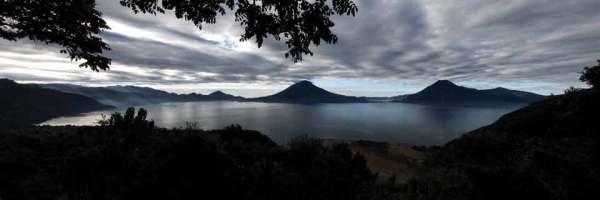 Lake Atitlán (Oscar Velásquez, www.flikr.com/oscarvelasquezphotography)
