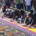 Carpet makers, Semana Santa photos by Leonel -Nelo- Mijangos (nelo.ws)
