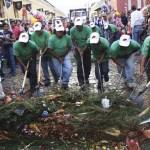 Cleaners, Semana Santa photos by Leonel -Nelo- Mijangos (nelo.ws)