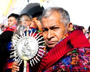 Posición/Position: Mención honorífica / Honorable mention Tema/theme: Retratos guatemaltecos / Guatemalan portraits Título/title: El Cofrade Lugar/place:  Chichicastenango, Quiché Autor/author: Alejandro Barillas Web: alejandrojose.webcindario.com