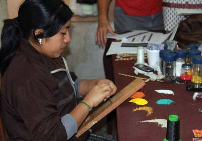 Artisan group Arco Iris gets the community of Sololá involved in the world of crafts