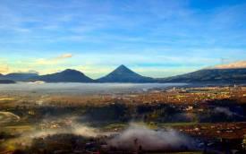 Posición/Position: 1er lugar / 1st place Premio: 1 vale por Q300 para comer en El Sereno Tema/theme: Volcanes de Guatemala / Volcanoes in Guatemala Título/title: Volcán Santa María Lugar/place: Quetzaltenango Autor/author: Alex Hernández