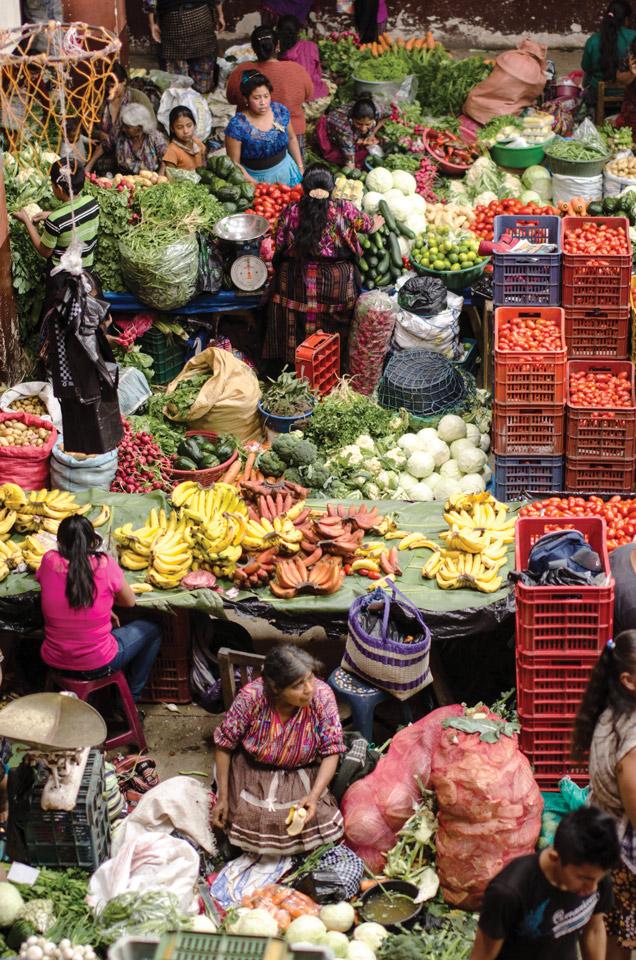 """2nd Place: """"Un día en el mercado"""" Chichicastenango, by Makensie Brown Prize: Q100"""