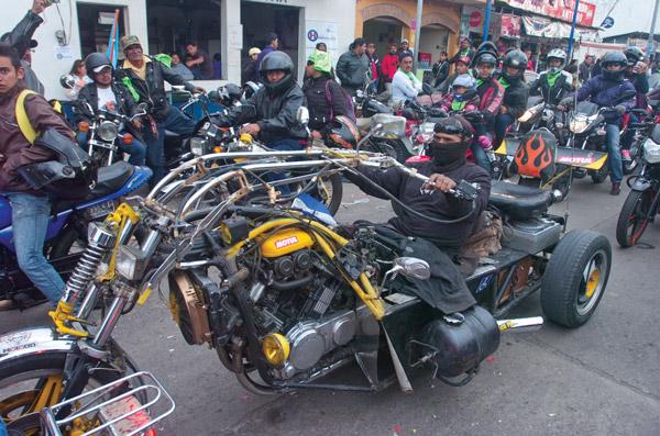 Guatemala Caravan of the Foxes