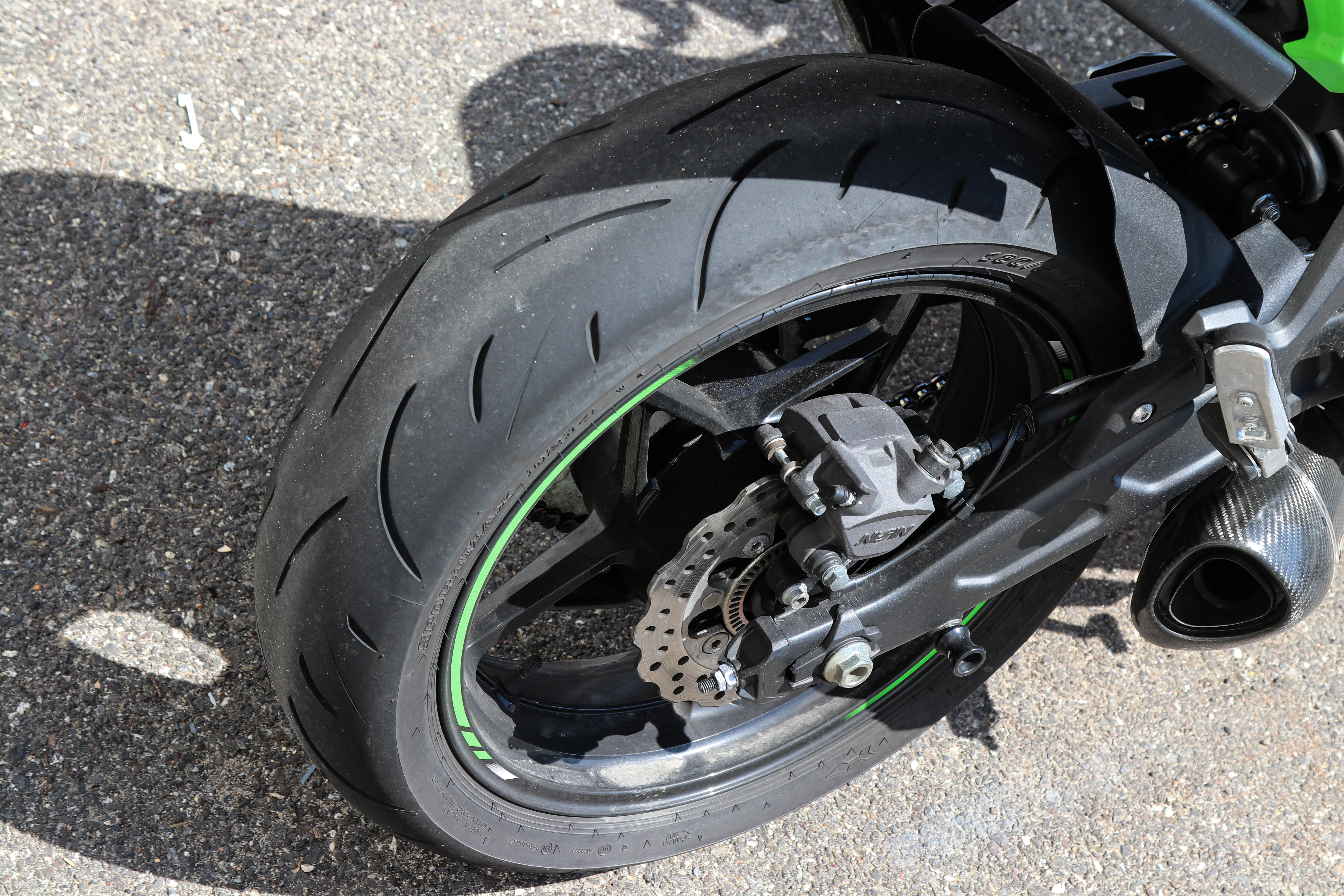 What Are Chicken Strips On Motorcycle Tires Revzilla