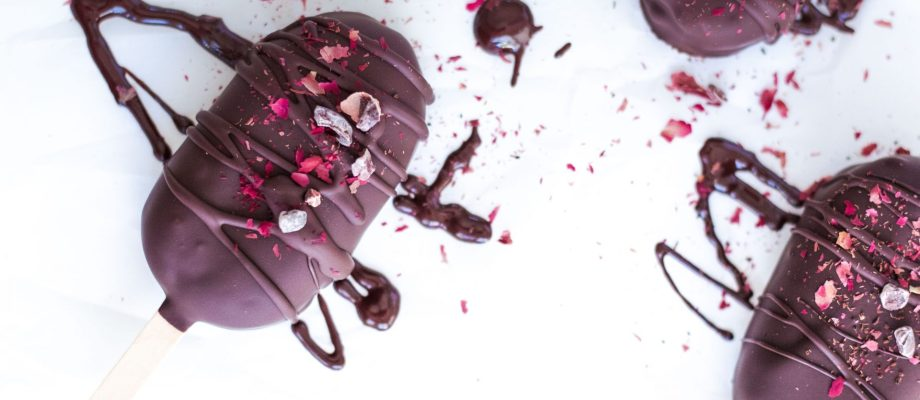 Raw Vegan Chocolate Protein Pops