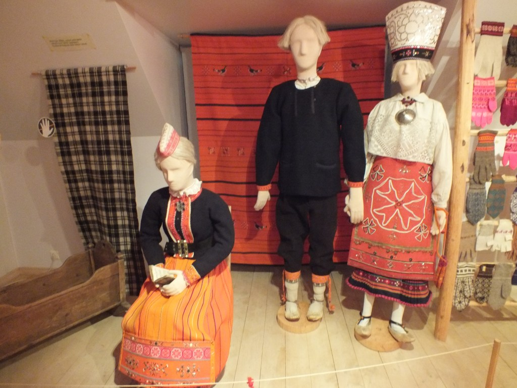 12 Estonian folk costumes