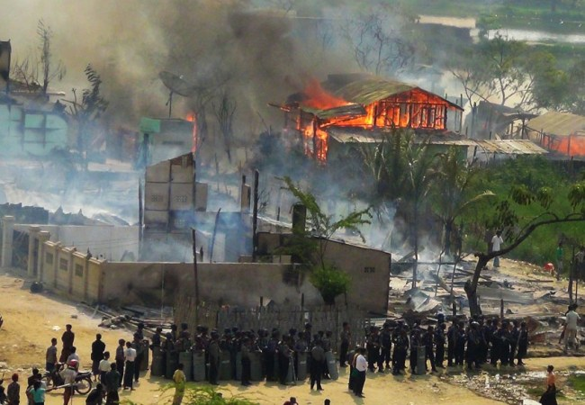 Rohingya Homes burning
