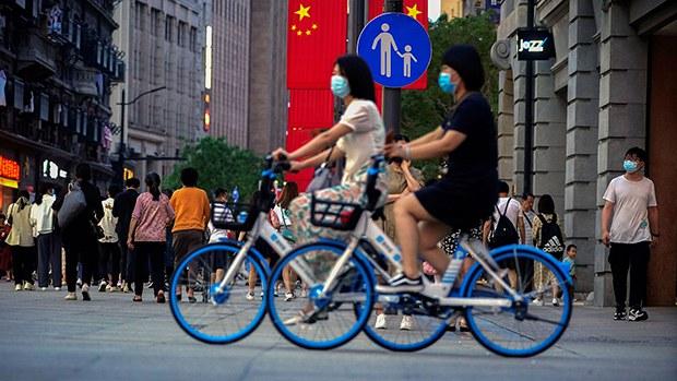 中国第七次人口普查公布出生人口1200万,总和生育率是1.25左右,这与中国目前的社会发展水平是高度不吻合的。(路透社资料图)