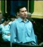 Nguyễn Tiến Trung tại phiên xử ngày 20-01-2010. RFA Photo from YouTube.
