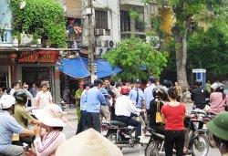 Hanoi_police_arrest_protestors_200.jpg
