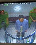 Nhà giáo Vũ Hùng ở phiên tòa tháng 10,2009