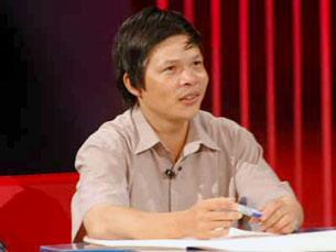 Thầy Đỗ Việt Khoa trong chương trình Người Đương thời. (Source: Nguoiduongthoi.com.vn)