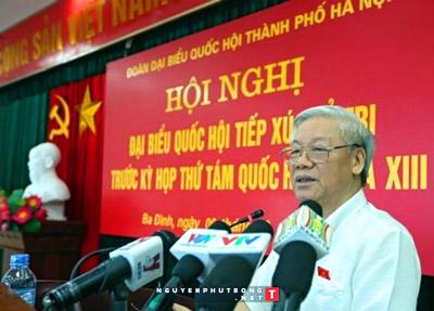 Tổng bí thư Nguyễn Phú Trọng cho rằng chống tham nhũng thì phải như đánh chuột nhưng đừng để vỡ bình